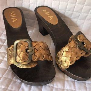 Mia wooden clogs heels